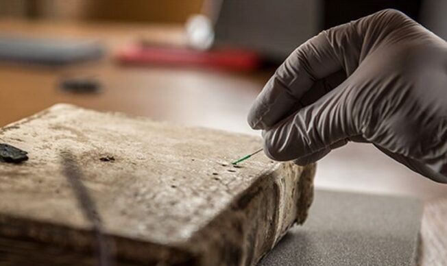 DNA and the archeology of manuscripts